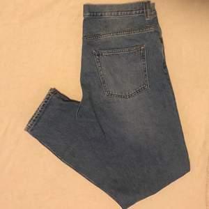 Blå jeans från weekday, pris går att diskutera
