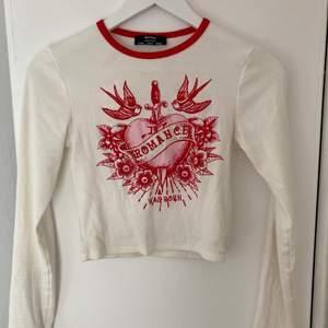 Jätte fin tröja från Bershka. Använd tröja enstaka gånger, och tröja är i bra skick❤️
