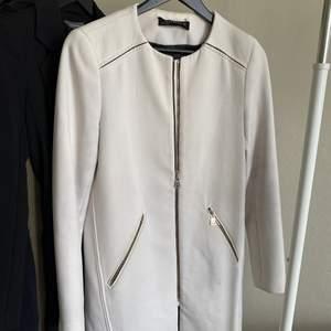 Vit fin kappa från Zara