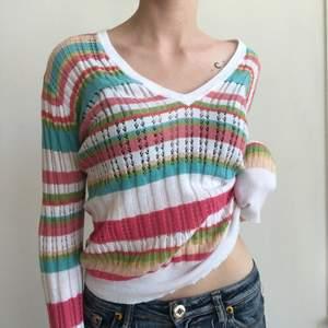 Randig tröja med olika färger i storlek m, 100kr + frakt 🔮