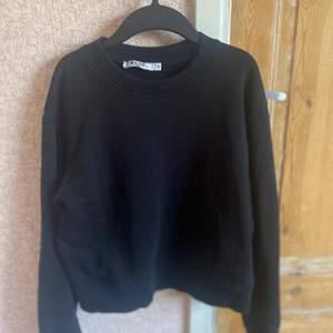 Svart bacis sweatshirt ifrån nakd✨✨