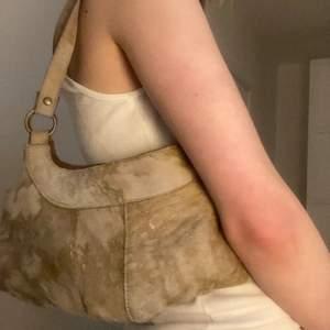 Så fin beige-ko färgad?-väska, kommer aldrig till användning. Frakt 45❤️