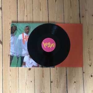 Hive mind av The Internet vinyl, endast spelad ett fåtal gånger. frakten ingår i priset!