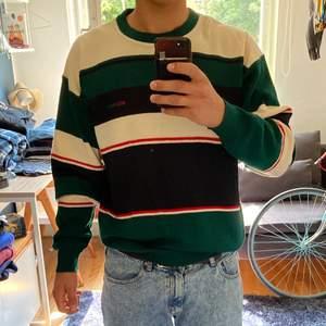 Säljer nu min morfars snygga ReedGreen-tröja som han köpte på 80-talet. Den är sparsamt använd och i mycket gott skick. 100% ull. Kan skickas men köpare står för fraktkostnad.