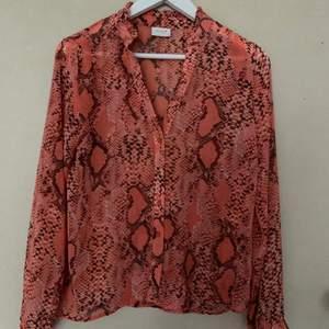 Oversized mesh skjorta/blus storlek 34 Jättefint skick 50:-