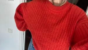Säljer denna fina stickade tröjan. Superskön verkligen!!