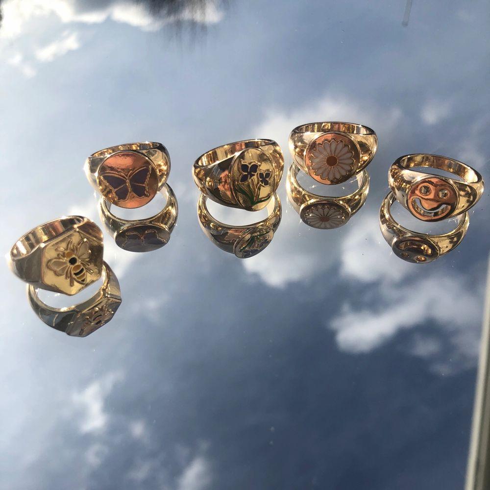 Säljer alla dessa super fina ringar, super fina och unika. ❤️❤️⚡️⚡️ 55krst alla för 440kr,. Accessoarer.
