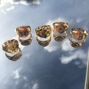 Säljer alla dessa super fina ringar, super fina och unika. ❤️❤️⚡️⚡️ 55krst alla för 440kr,