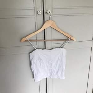 Vitt linne från Gina tricot i storlek S