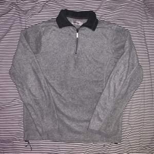 Grå fleece tröja från dressman, size S men sitter mer som M 🪴