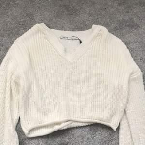 Världens mjukaste tröja från NAKD. Strl S ❤️ bara testad! 40kr. Helt som ny, inga fläckar