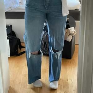 Jättefina jeans från Bershka i storlek 40❤️ är 173 lång för referens❤️