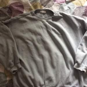 Sweatshirt i bomull och polyester av märket Esprit.