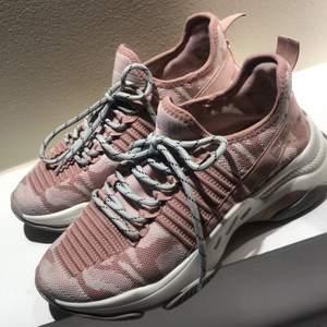 Steve MADDEN sneaker använd 2 ggr