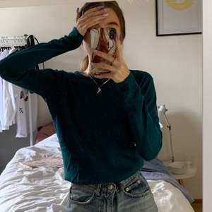 Fin grön/blå tröja från mango strl xs. Titta gärna in mina andra annonser då jag kan samfrakta ❤️