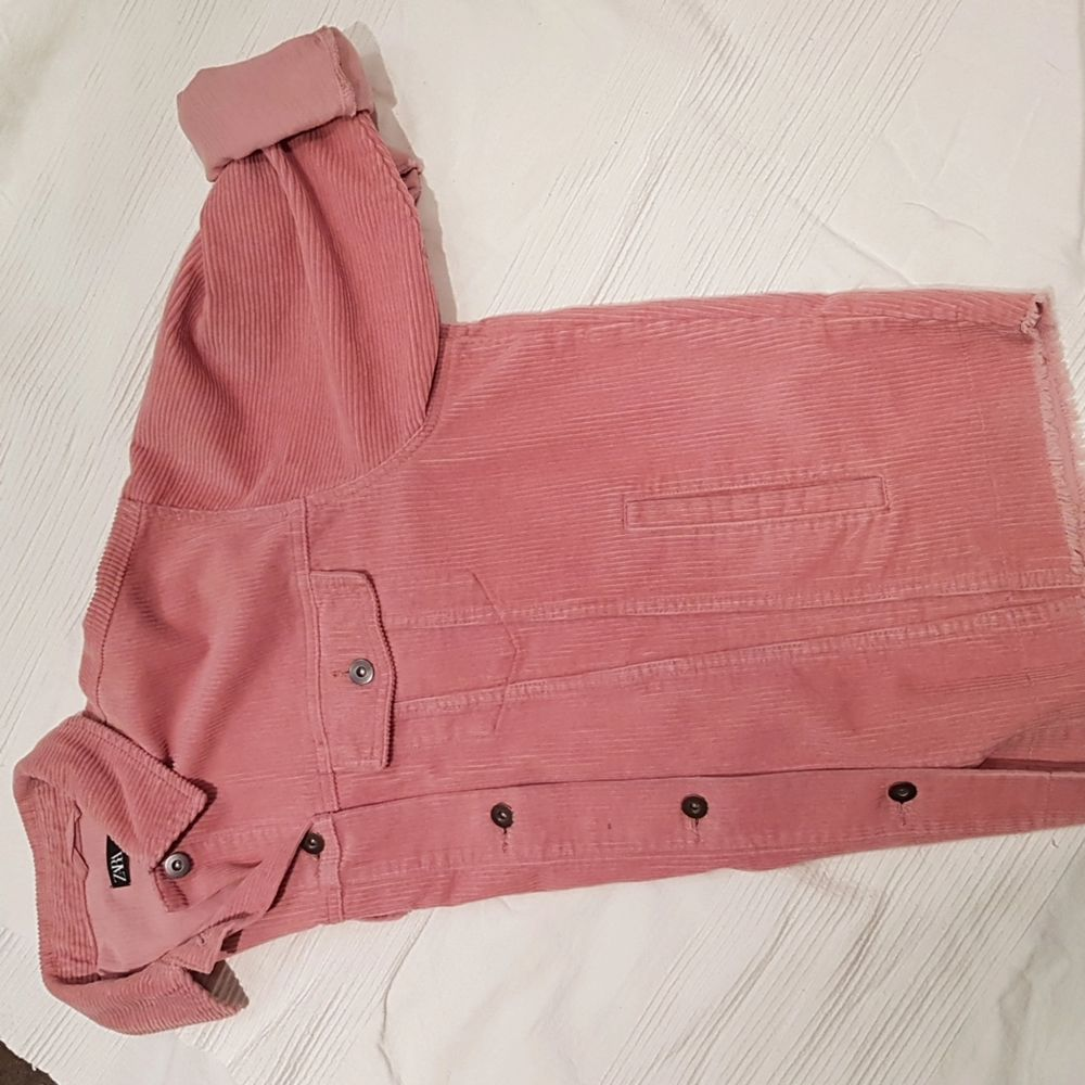Pink Corduroy/Manchester jacket. Size medium, the size rums large. Zara. . Jackor.