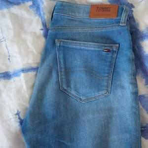 Bra skick, som nya, storlek 26, Tommy Jeans