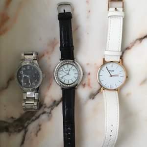 3 riktigt fina klockor i utmärkt kvalite samt skick. Det enda är att batteriet på alla tre gått ut, går lätt och billigt att fixa. Fråga för mer info/ mer bilder!