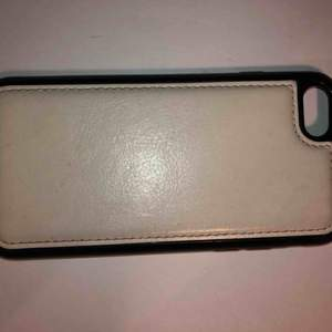 iPhone skall med magnet till iPhone 8/7/6/6S. Är i fint begagnat skicka. Köparen betalar frakten