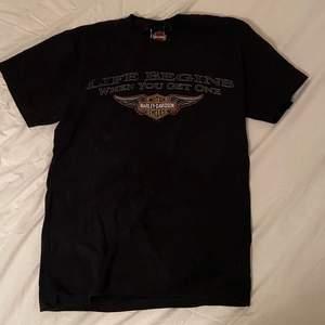 Vintage Harley Davidson t-shirt! Buda i kommentarerna - bud höjs med 10kr. Köparen står för frakten! 📦🔥