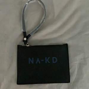 NAKD plånbok aldrig använd. Hör gärna av dig vid intresse, paketet skickas dagen efter betalning!!!