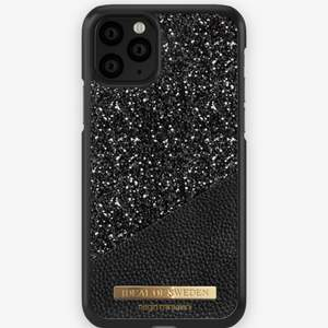 Säljer ett oanvänt mobilskal från ideal of Sweden. Från kollektionen Negin Mirsalehi X Ideal of Sweden. I oöppnad originalförpackning.  Passar till iPhone 8/7/6/6s.