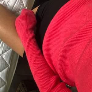 Fin ribbad tröja från bikbok, fint skick och den är i lite tjockare material🦋