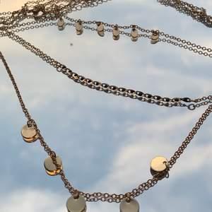 hm smycke (färg: guld) i snyggt skick💞💞