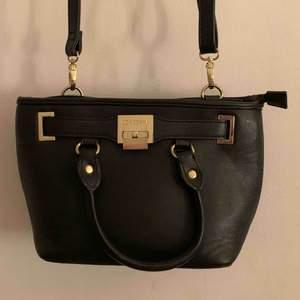 Väska från don Donna, sparsamt använd.