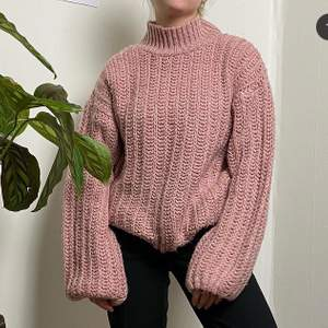 Såå mysig rosa stickad tröja! Väldigt varm