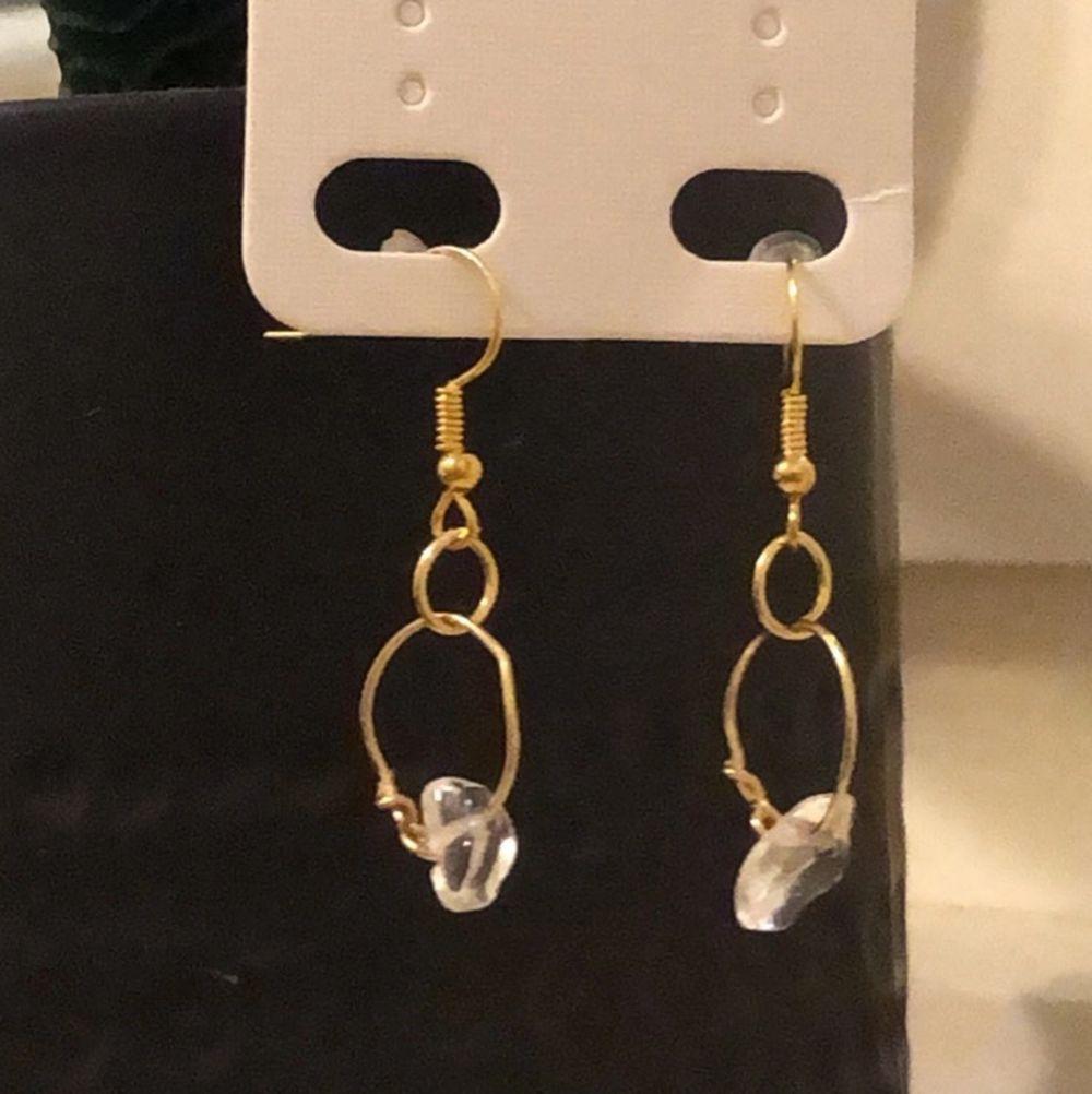 handgjorda örhängen, flera finns i lager, 50kr +frakt, nickelfria (ej äkta silver och guld). Accessoarer.