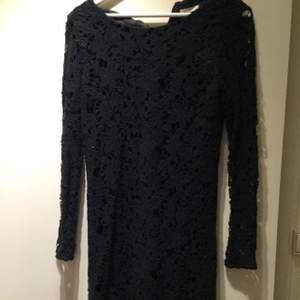Jättefin klänning från märket Wera. Använd 1 gång pågrund av fel storlek.