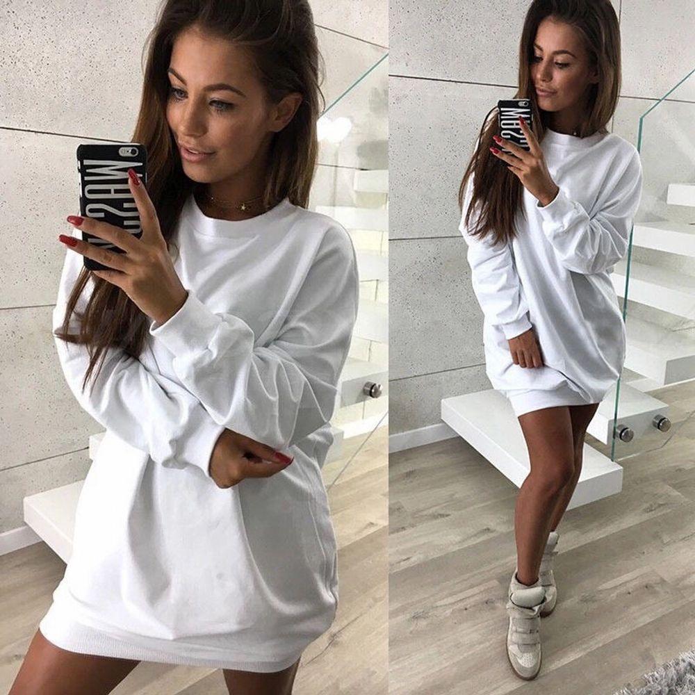 Storleken XXL men mer som en L-XL skulle jag säga och fick som en present! Aldrig använda! Säljer pga inte min still! Kan användas som en klänning eller en sweatshirt💖💖 . Huvtröjor & Träningströjor.
