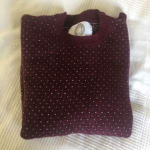 Contemporary reflections sthlm sweater. Cute prints, 80% wool