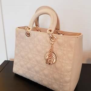 Super fin och elegant väska, nyskick