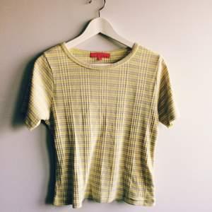 Fin tröja i lite kortare modell! 🌼
