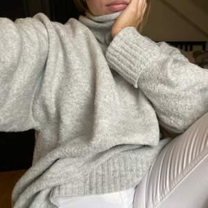 Oversized tröja, varm och gosig!!