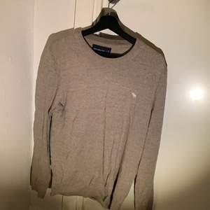 Abercrombie Fitch tröja beige bra skick storlek M