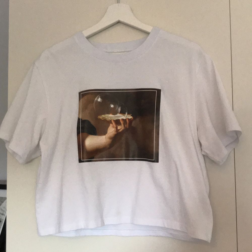 tillkommer frakt. T-shirts.