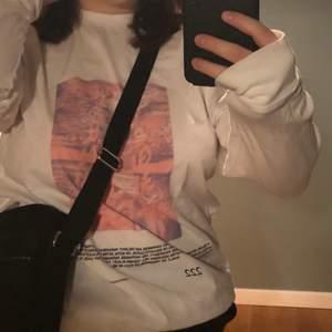 Långärmad tröja från asos collusion! Osäker på frakt 💓