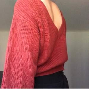En super fin och bekväm stickad tröja ifrån Gina tricot!🤎 Som ny!☺️