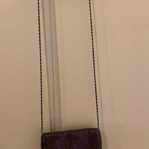 Två olika handväskor, lätt att bära med sig 30kr st