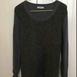 Fin tröja med 50% merinoull från J.Lindeberg i stl XS passar även S.