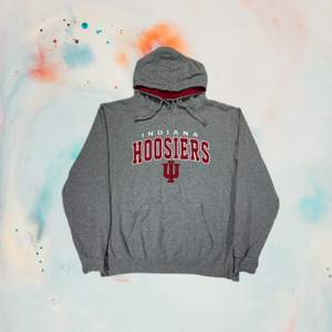 Indiana hoosiers hoodie   Size XL fits true to size  Measurements  Pit to pit 69cm Shoulder 57cm Total length 71cm  Details Grey color  Good condition  Oversized fit   Price 350Sek/35€