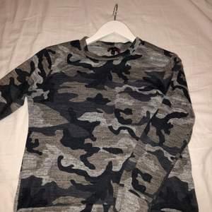 Fin tröja från Madlady super skön militär mönstrad! Finns nog inte kvar att köpa mer på hemsidan!