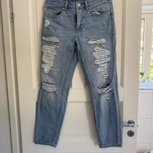 Jeans från asos inte andvända och i bra skick + kontakta för fler frågor:)