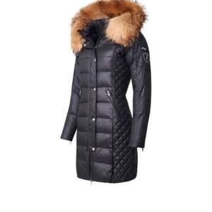 Säljer nu mina två rock and blue jackor som båda är inköpta förra vintern. Den blanka är storlek xxs och den matta är storlek 32 vilket motsvarar xxs/xs. Dom är båda använda ungefär 2 månader var. Den matta 2500kr och den blanka 1500 eller båda två för 3500kr