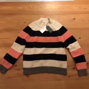 Sälker denna superfina tröja som är helt oanvänd med lapp kvar.