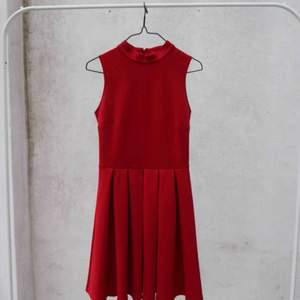 🌹 röd klänning med turtle neck 🌹