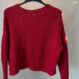 Stickad tröja från Fb Sisters Använd men bra skick  30kr + frakt